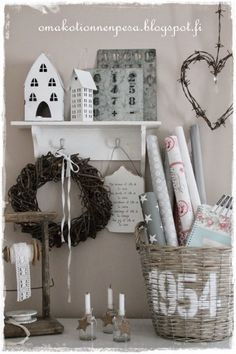 Sisustuksen sekametelisoppa | Oma koti onnenpesä Home Interior Design, Interior Decorating, Estilo Shabby Chic, Family Tree Wall, Beach Cottage Decor, Basket Decoration, Wooden Crates, Farmhouse Decor, Home Accessories