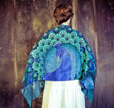 """Roza, the Melbourne-based creator behind the stylish """"Shovava"""" Etsy shop, has created an original and inspiring collection of handmade scarves depicting birds with their wings spread wide. Textiles, Moda Australiana, Feather Scarf, Feather Fashion, Boho Fashion, Fashion Tips, Peacock Bird, Bird Wings, Handmade Scarves"""