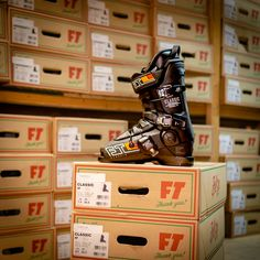 The mens Full tilt Ski Boots Classic are: A Classic for a reason!!! Design from the original Raichle mold, add with custom fitting Intuition liners for added comfort and fit, these ski boots are now on special from size 22.5 up to 30.5 for 30% off at our shop outlet, together with all the other Full Tilt models.