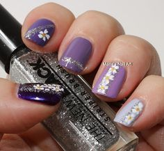 Marias Nail Art and Polish Blog: Ombre Haze with abstract flowers and doodling