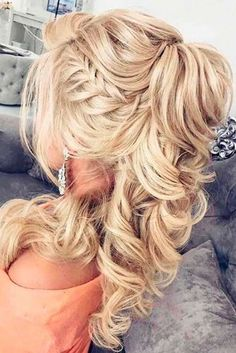 Gorgeous Homecoming Hairstyles for Long Hair picture 3