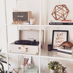 I've been after this white gold Crosley for so long! It was super pricey then sold out then came back in the sale. Ended up getting it for 60 brass-tinted fate. Room Interior, Interior Design Living Room, Living Room Decor, Bedroom Decor, Home Office, Aesthetic Room Decor, My New Room, Interiores Design, Room Inspiration