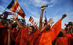 Protesta in Cambogia. Monaci buddisti in supporto del Cambodia National Rescue Party (Cnrp), durante una protesta contro il governo a Phnom Penh (Reuters/Athit Perawongmetha)