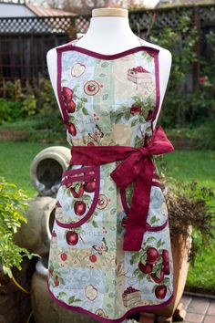 Hey, I found this really awesome Etsy listing at https://www.etsy.com/listing/119052350/apron-vintage-style-retro-picking-apples