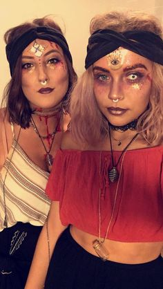Zigeuner Wahrsagerin Halloween Makeup halloween makeup with glitter Halloween Fortune Teller Costume, Halloween Costume Contest, Cool Halloween Costumes, Halloween Outfits, Fortune Teller Makeup, Gypsy Fortune Teller, Fortune Teller Fancy Dress, Gypsy Makeup, Beauty Makeup