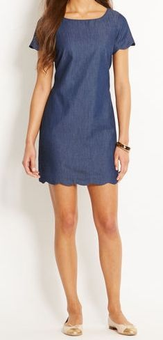 Chambray Scallop Dress                                                                                                                                                                                 Más