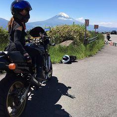 向こうの方で叫んでる… お疲れ様さまでした( ´͈ ᗨ `͈ )◞ #motorcycle #kawasaki #zephyrχ #カワサキ #ゼファーχ #motorcyclegirl #バイク好きな人と繋がりたい #バイク初心者 #motogirls#BikeLife #過去pic #写真好きな人と繋がりたい #ツーリング#杓子峠 #χくん