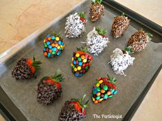 Minie Chocolate Chips Covered Strawberries | The Partiologist: Gourmet Chocolate Covered Strawberries