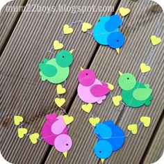 Danish papirklip mobile, so cute Animal Crafts For Kids, Diy For Kids, Bird Crafts, Diy And Crafts, Bird Template, Crafts For Seniors, Montessori Activities, Love Birds, Holidays And Events
