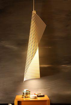 Lampada a sospensione Blanca cono di Luce con stampa digitale. Design Marcello Gennari.