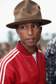 Pharrell's Hat Is The Most Important Thing At The Grammys