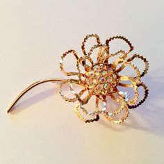 Sarah Coventry Allusion dimensional rhinestone flower brooch