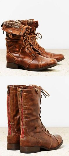 MODE THE WORLD: Brown Leather Back Zip Combat Boots .