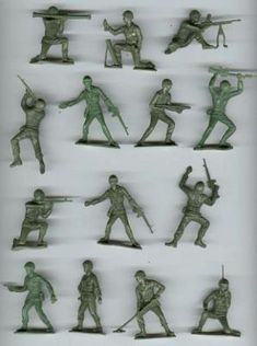 Vintage green army men - played with these! My Childhood Memories, Childhood Toys, Best Memories, School Memories, Family Memories, Retro Toys, Vintage Toys, 1960s Toys, Vintage Games
