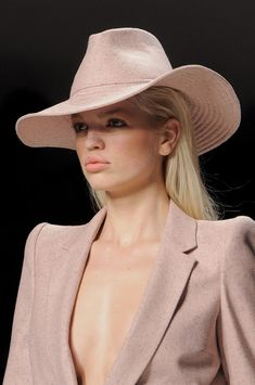 Blumarine Fall 2013 Blush pink jacket and hat - Details