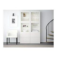 IKEA - BESTÅ, Vitrine, weiß/Valviken Klargl gra/türk, Schubladenschiene, sanft schließend, , Schubladen und Türen schließen langsam und geräuschlos dank integrierter Schnappbeschläge.Vitrinentüren sorgen für staubfreie Aufbewahrung von allem, was man gerne zeigt.Versetzbare Böden für bedarfsangepasste Aufbewahrung.