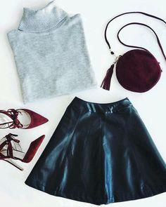 Outfit para esta noche? Las faldas de cuero se han convertido en un básico necesario. Más inspiración en: http://ift.tt/1P2XCS5 #miscelaneas #inspiration #fashionblog #fashion #fashionaddict #fashionblogger #blog #blogdemoda #moda #style #skirt #outfit #ootd