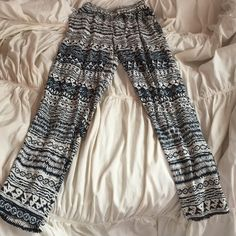 Fancy Pants! Thin, comfortable, tribal designed Forever 21 Pants Track Pants & Joggers