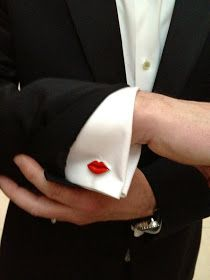 LOVE. Rare Vintage: Lips cuff links
