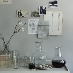 Nice grey wall & eclectic mix