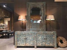 """Het Posthuys op Instagram: """"Stoer strak dressoir uit China uitgevoerd in blauw/grijs. Van een oud raam uit India is een spiegel…"""""""