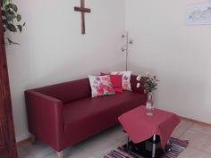 gemütlich urlauben in der Ferienwohnung Sofa, Couch, Furniture, Home Decor, Cottage House, Settee, Settee, Decoration Home, Room Decor