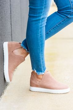 4a2689eefe4 23 Best Steve Madden Sneakers images in 2018 | Steve madden sneakers ...