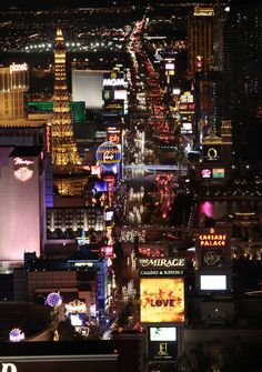 The Las Vegas Strip at night (©Las Vegas News Bureau)