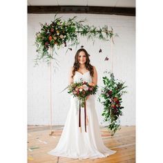 So we have built a replica of our copper arch design & it's now winging its way to America for a bride to be to have for her ceremony! Image by the amazing @anushelowphotography still one of my favourite shoots with @alwaysandriweddings #copperarch #ceremonyflowers #photoshoot #modernweddinginspiration #weddings #floralstylist #londonflorist