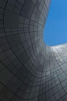 dongdaemun design plaza ~ saha hadid architects