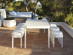 Small or large terraces decoration 36 options - Home Decor Outdoor Stools, Outdoor Dining, Outdoor Tables, Outdoor Spaces, Outdoor Decor, Garden Furniture, Outdoor Furniture Sets, Furniture Design, New Kitchen Doors