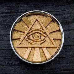 Iluminating Eye #PLUGS