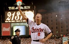 Cal Ripken Jr. receiving a standing ovation after getting record for most consecutive games played (Walter Iooss Jr.)
