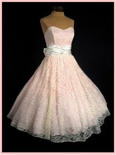 Vintage 1950s Style Lace Wedding Dress