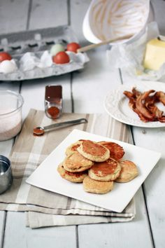 Almond Flour Pancakes from The Food Lovers Kitchen. Gluten free, paleo, primal, breakfast recipe.