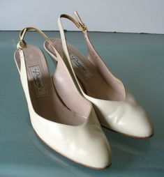Vintage Made in Italy Rangoni Slingback Pumps by EurotrashItaly on Etsy