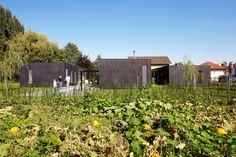 Image 5 of 13 from gallery of Family House in Zellerndor / Franz Architekten. View from Gardens © Franz Architekten Cargo Home, Farmhouse Design, Detached House, Planer, Modern, Vineyard, Gallery, Outdoor Decor, Container Homes