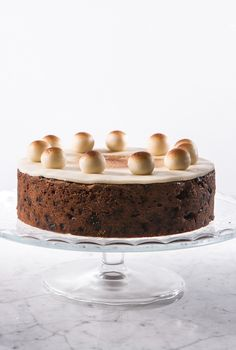Fans of fruit cake will have plenty to discover in this collection of fruit cake recipes, from Simnel cake and tea bread to a rich Christmas cake recipe. Great British Chefs, Great British Bake Off, Easter Dishes, Easter Food, 80 Birthday Cake, Special Birthday, Baking Recipes, Cake Recipes, Simnel Cake