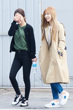 MAMAMOO Solar and Moonbyul fashion going to Music Bank[160408]