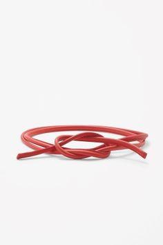 Tie-up leather belt