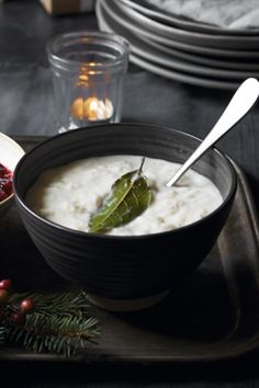 Bread sauce is an essential accompaniment to Christmas roast dinner. This vegetarian, bay and onion-infused version is very easy to make and tastes delicious.
