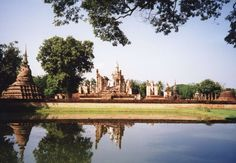 From Wikiwand: Sukhothai Historical Park