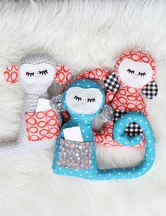 DIY secret notes monkey has pockets for notes and little things! Sewing Toys, Sewing Crafts, Sewing Projects, Diy Crafts, Sewing For Kids, Diy For Kids, Crafts For Kids, Basic Sewing, Free Sewing