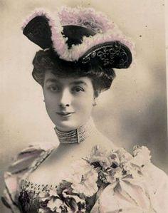 Image result for GERMAN VINTAGE LADIES POSTCARDS