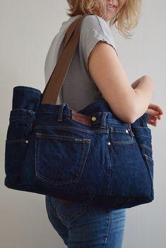 Denim And Co, Denim Bag, Denim Jeans, Handmade Purses, Handmade Shop, Sewing Clothes, Diy Clothes, Patchwork Jeans, Bag Patterns To Sew
