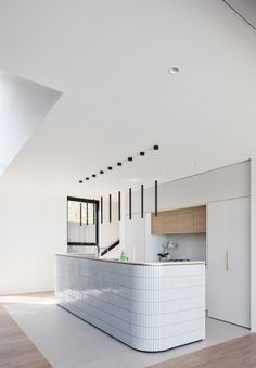 A Study in White Minimalism: Contemporary Sydney Residence with a Smaller Brother! A Study in White Minimalism: Contemporary Sydney Residence with a Smaller Brother! Home Interior, Interior Design Kitchen, Home Design, Interior Architecture, Minimal Kitchen Design, Study Architecture, Contemporary Interior, Home Decor Kitchen, Rustic Kitchen