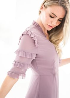 wunderschones lady wickelkleid in mulberry - The world's most private search engine Kurti Sleeves Design, Kurta Neck Design, Sleeves Designs For Dresses, Fancy Blouse Designs, Blouse Neck Designs, Sleeve Designs, Salwar Designs, Kurta Designs Women, Kurti Designs Party Wear