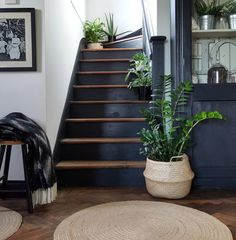 10 Beautiful Rooms: The South West – Mad About The House – hallway Style At Home, Restaurant Design, Home Interior Design, Interior Architecture, Interior Ideas, Painted Staircases, Spiral Staircases, Black Stairs, Black Painted Stairs