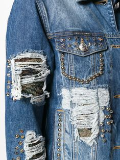 Denim Jackets, Jean Jackets, Custom Clothes, Diy Clothes, Altering Jeans, Bleached Jeans, Jean Skirts, Denim Crafts, Denim Shirts