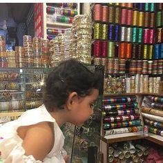 Its shopping time.Eid is incomplete without bangles. Kya apki eid shopping complete hogai?? #hooraintaimoor #ayezakhan #danishtaimoor #familygoals #media #celebrities #cute #followus #showbiz_society